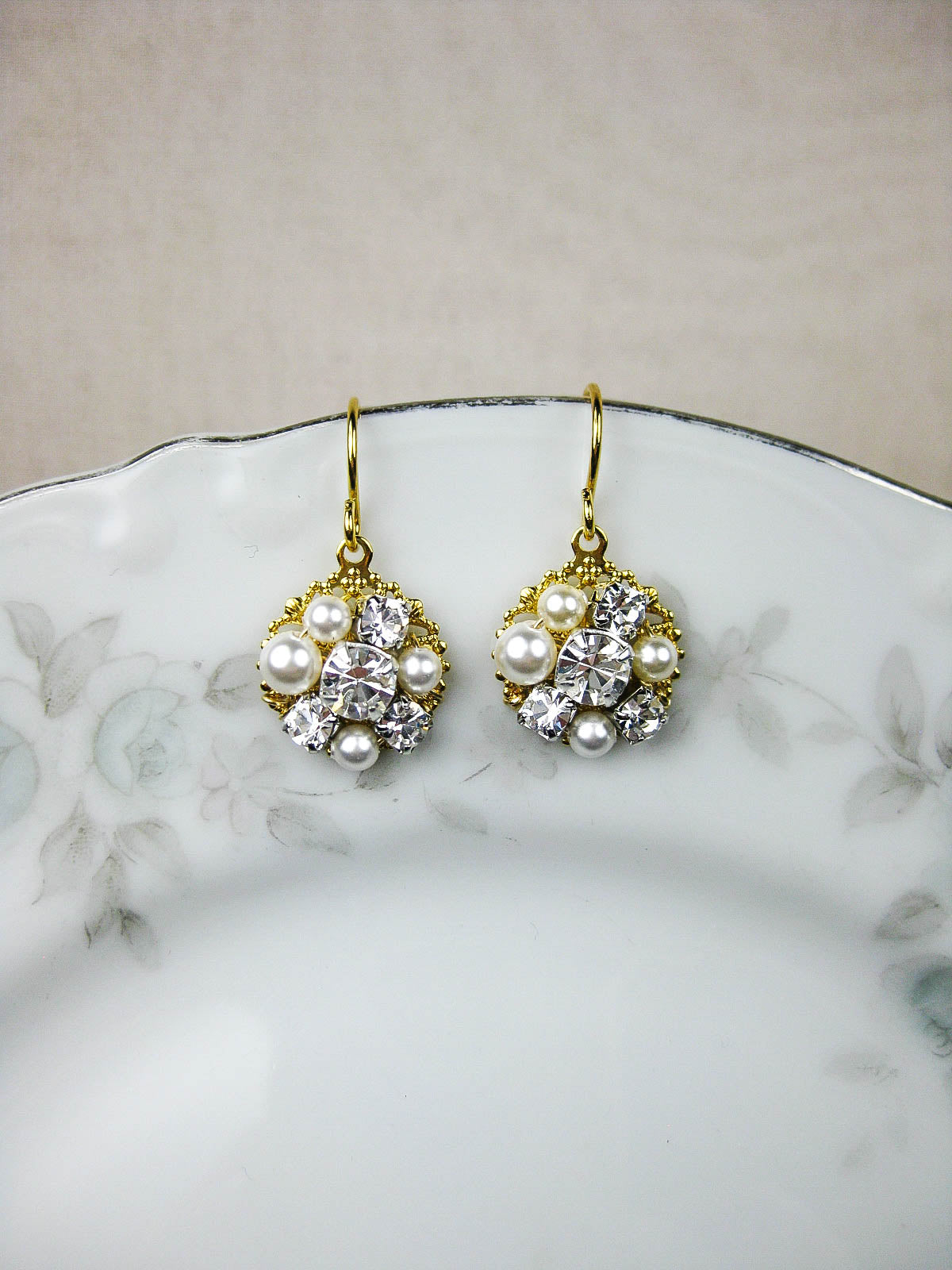Astrid Earrings in Gold - e445
