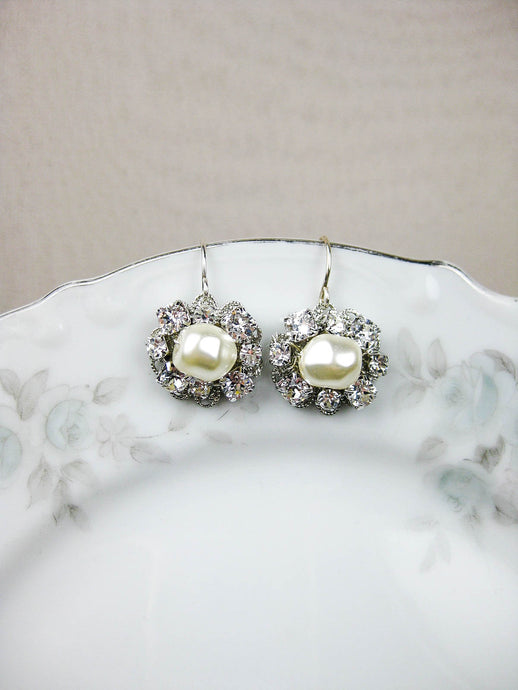 Angela II Earrings - e461
