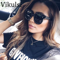 sampurchase 2018 Luxury Italian Brand Sunglasses Women Crystal Square Sunglasses Mirror Retro Full Star Sun Glasses Female Black Grey Shades