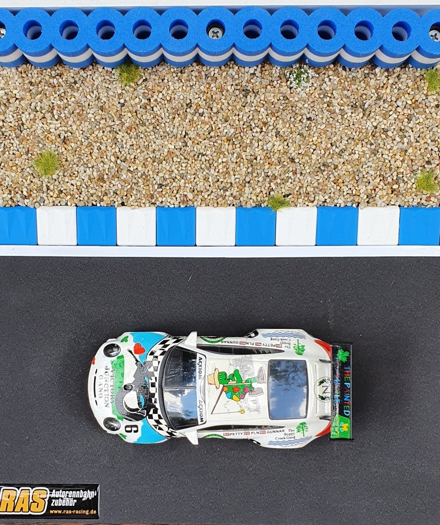 Diarama Curbs Curb Kerbs und Reifenstapel blau weiss - Alternative zu carrera 21130 carrera digital