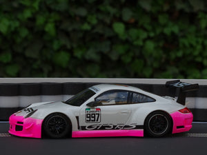 Reifenstapel XL schwarz weiss Porsche NSR pink - Alternative zu carrera 21130 carrera digital