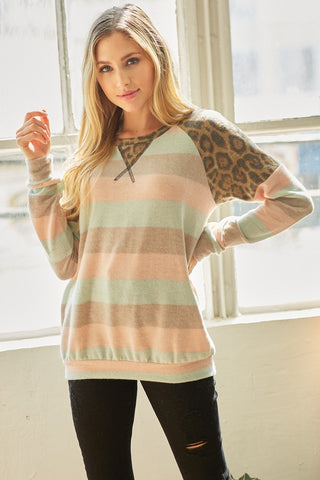 LM107 - STRIPED FLEECE TOP