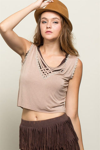 POL54 - SLEEVELESS CROP TOP