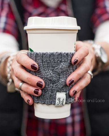 CABLED CUP COZY