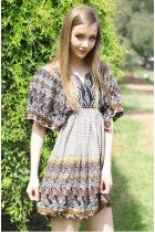 AYN - FLUTTER SLEEVE DRESS