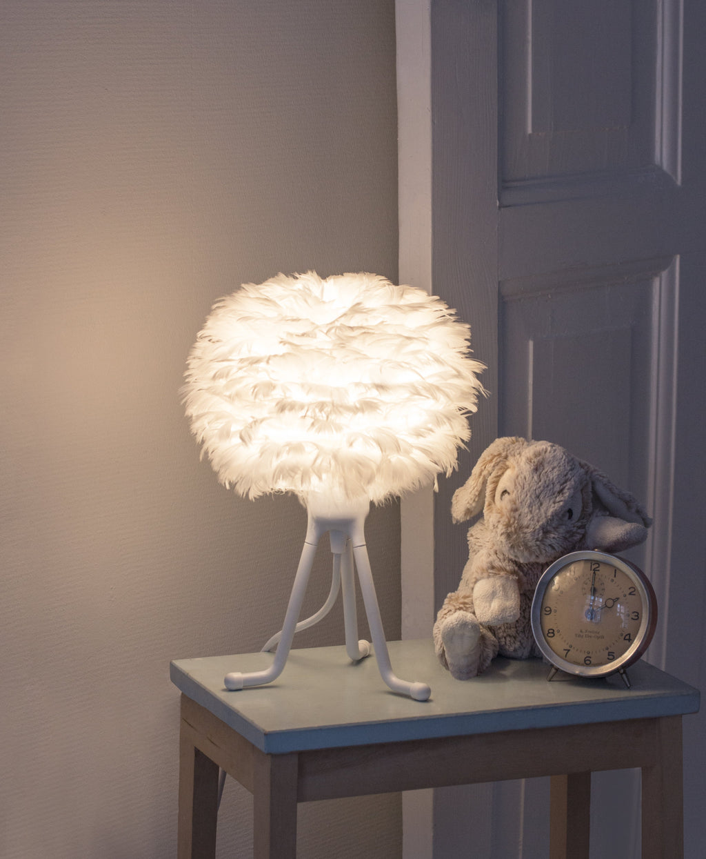 EOS Micro Feather Tripod Table Lamp