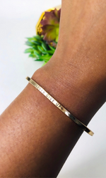 NEVER GIVE UP AFFIRMATION BRACELET