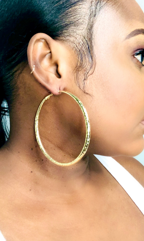 DAISY ETCHED HOOPS-(GOLD)