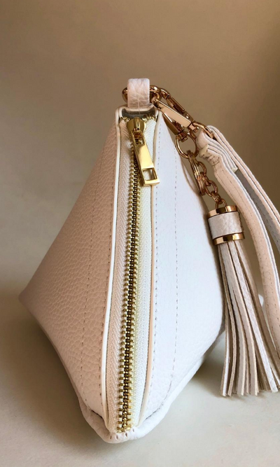 WHITE WRISTLET PYRAMID BAG