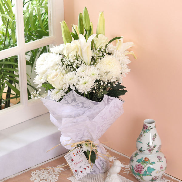 White Dreams Bouquet - TCS Sentiments Express