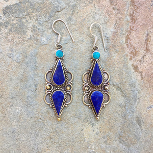 """Tho"" Deep Blue see silver earrings - Tibet"