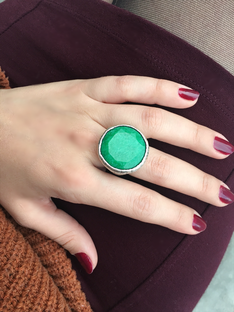 """Yesil"" stunning green silver ring - Turkey  (size 7.5)"