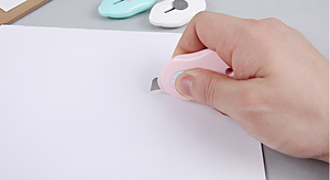 Mini Retractable Paper Cutter