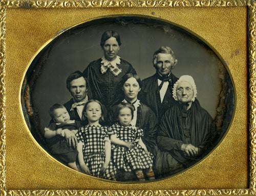 Genealogy Websites We Love @ Ancestorville Lost family Photos