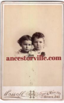 1880's Photo of Alma & Hazel Halbower, Keokuk, Lee County, Iowa