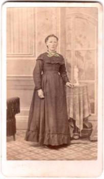 1870's Mrs. Lein signed CDV Photo by Photographer Henry Dippe, Chicago