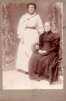 1890 Mrs E Parmer Cabinet Photo, Elmira, Chemung NY (by Lottie Hurley)