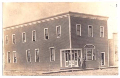 1910  Flora & Frank Thum RPPC Photo, Central Hotel, Canton, Illinois