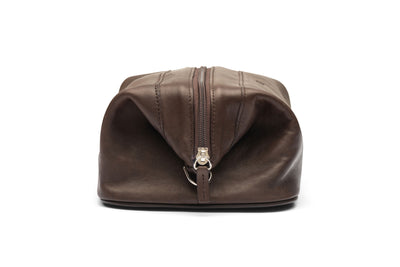 Traditional Leather Travel Bag In Brown Or Black Leather
