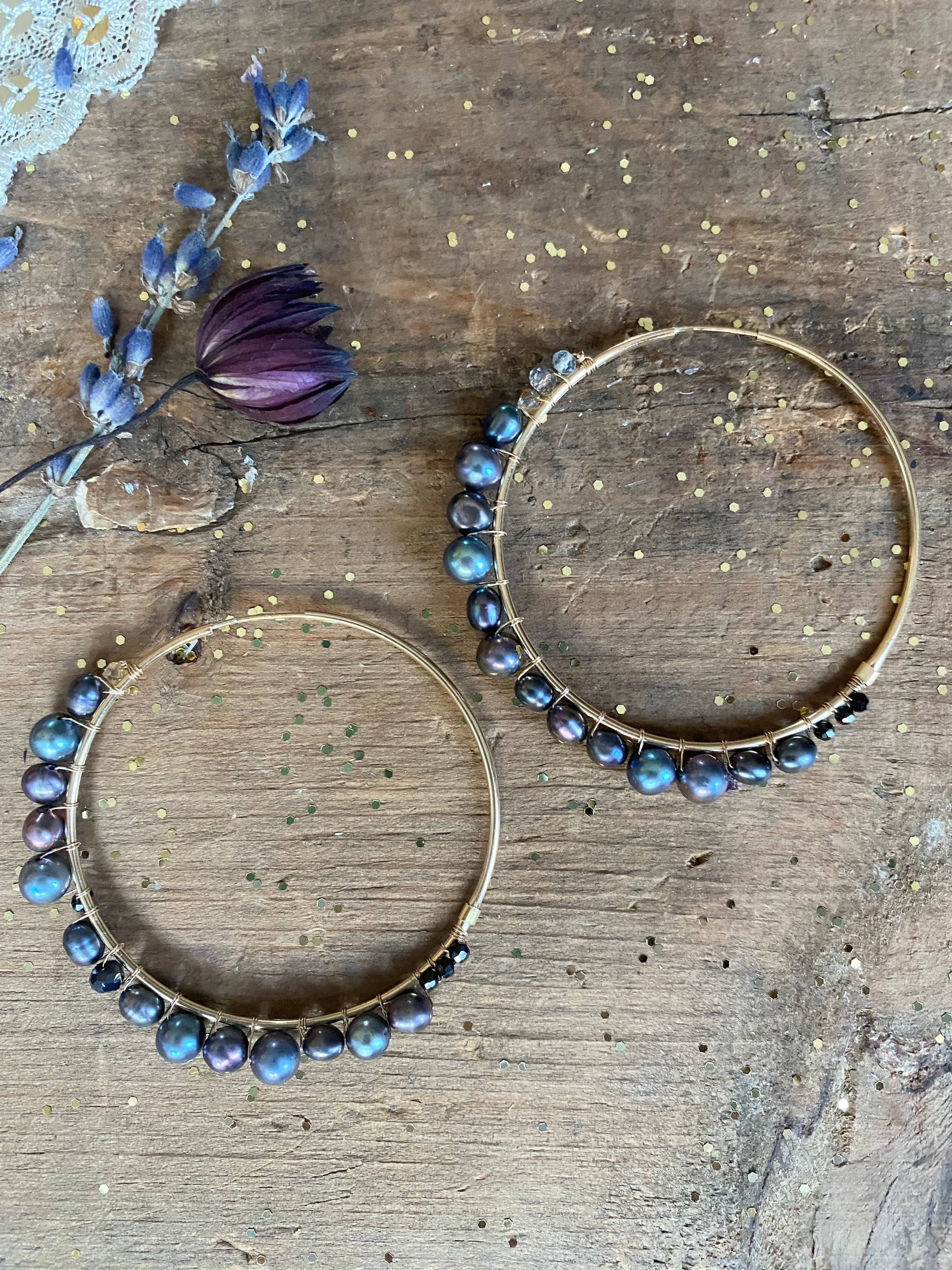 Dark Pearl Wonder Hoops