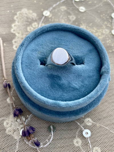 The Babe Signet Ring in Sterling Silver