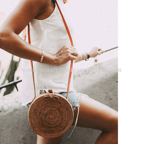 products/Circle-rattan-straw-bag-made-in-Vietnam.jpg