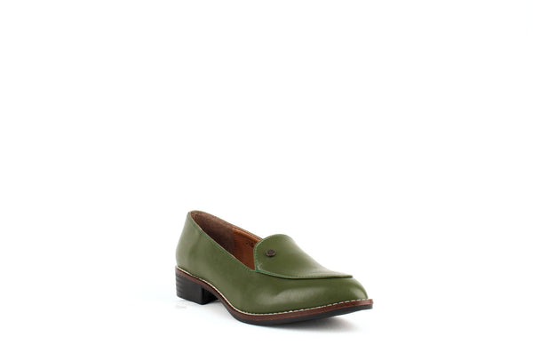 Carmona Collection María Vegan Cactus Leather Loafer | Green