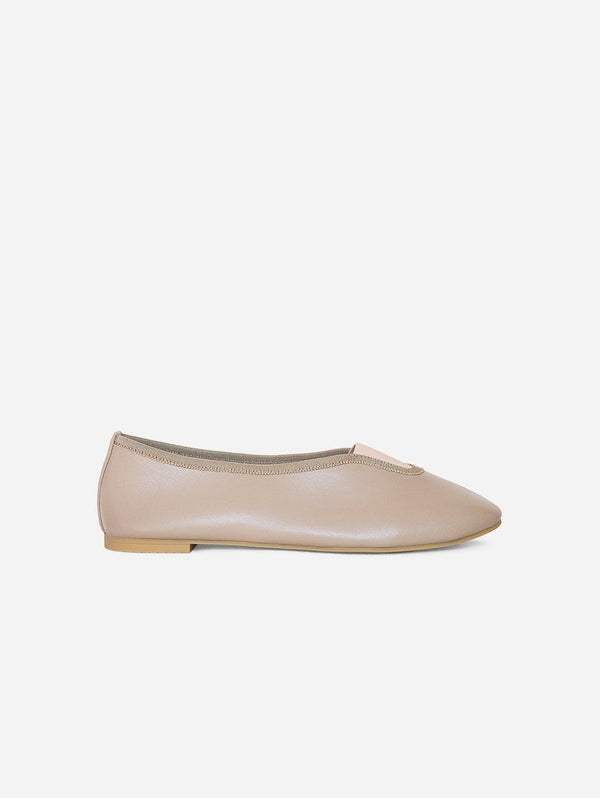 Via Gioia Paris Rhythmic Vegan Nappa Leather Ballet Flats | Taupe