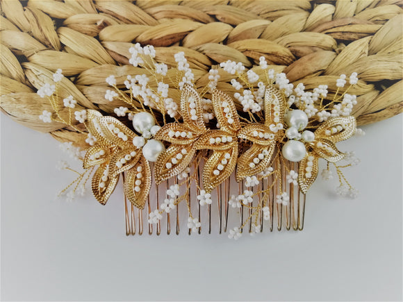 Baby's breath hair comb