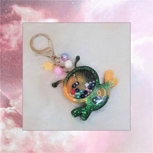 Load image into Gallery viewer, Bee Liquid Shaker Charm
