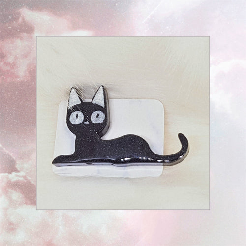 Laying Jiji Pin