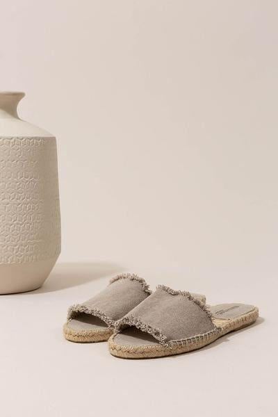 Olivia Slide in Canvas Panna - The Edition Shop