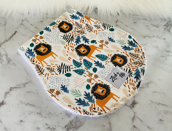 Larry the lion  Burp Cloth