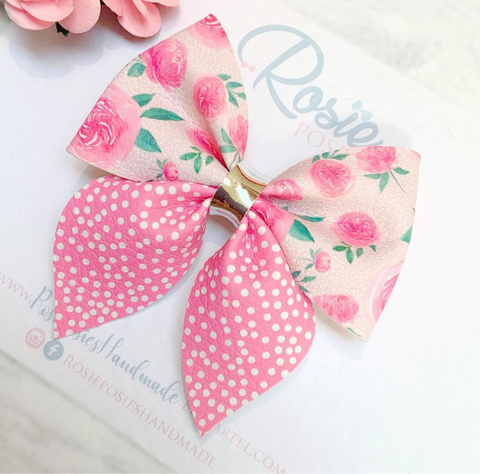 "Loveable Bow 4"" Plastic Template"