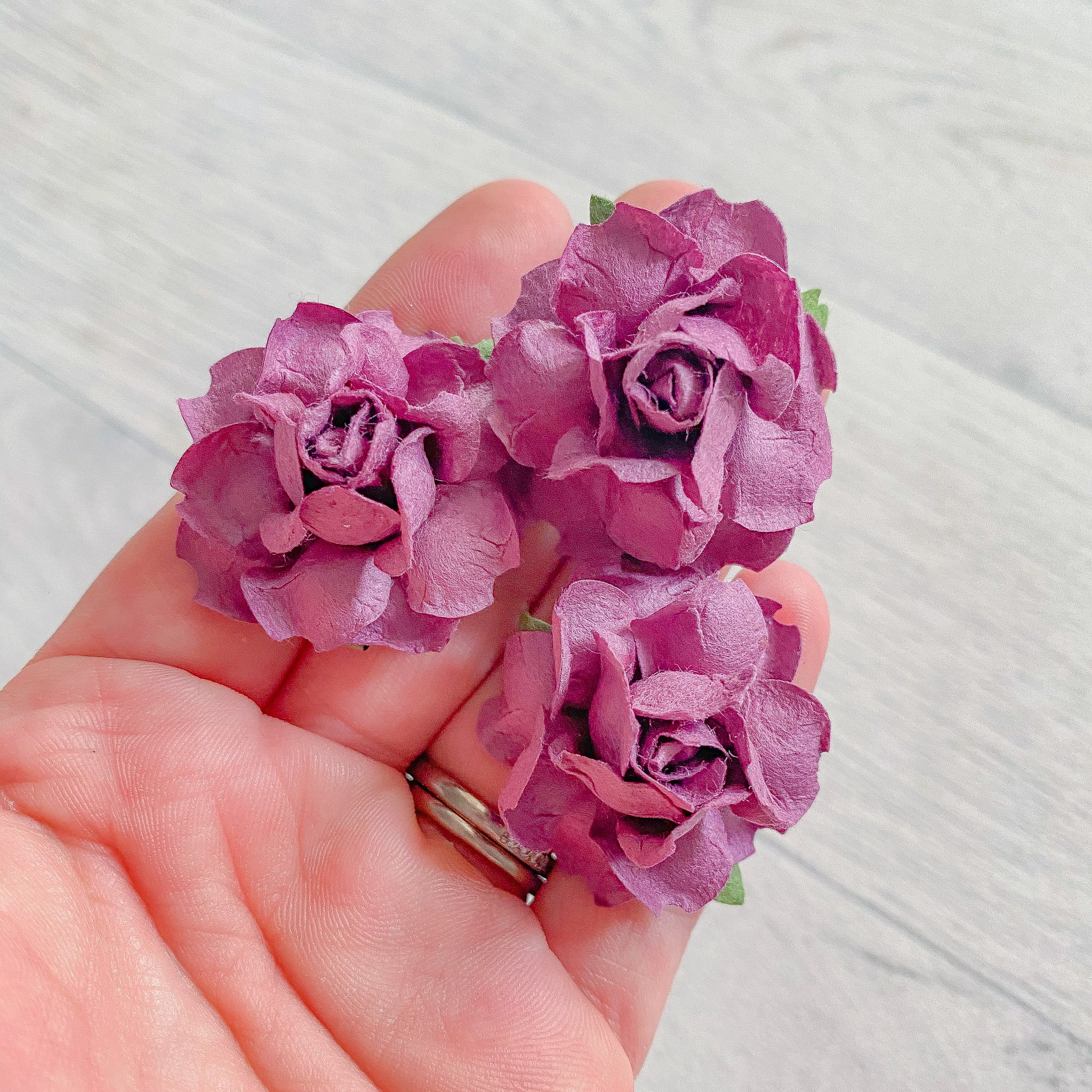Plum Modern Rose Mulberry Flowers 37mm (10)