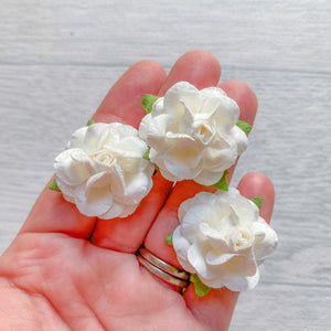 White Wonderlust Rose Mulberry Flowers 25mm (10)