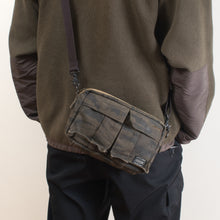 Load image into Gallery viewer, Porter Green Eye Shoulder Bag