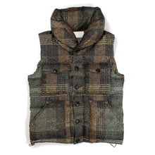 Load image into Gallery viewer, Nanamica Pertex Plaid Puffer Vest
