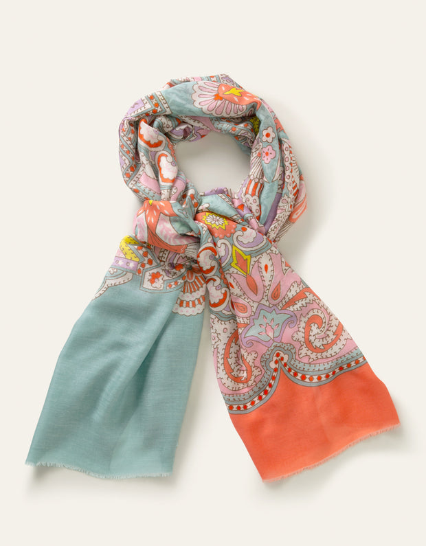 Alarge Scarf