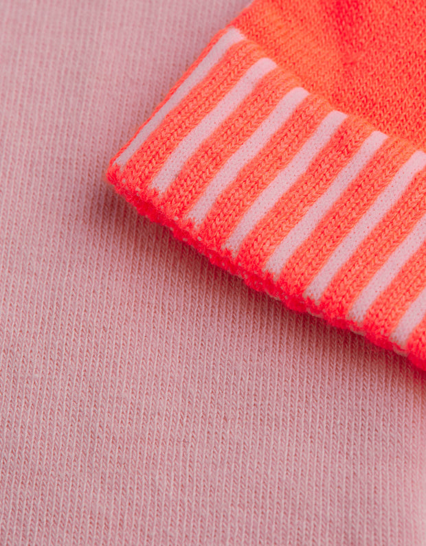 Miep colourful socks in orange pink with arrow and ribbing