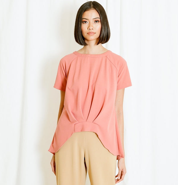 Canvas Sky Raglan Top in Coral