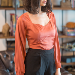 Canvas Florence rust in satin top with sweetheart neckline