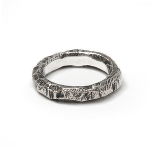 Gneiss Ring