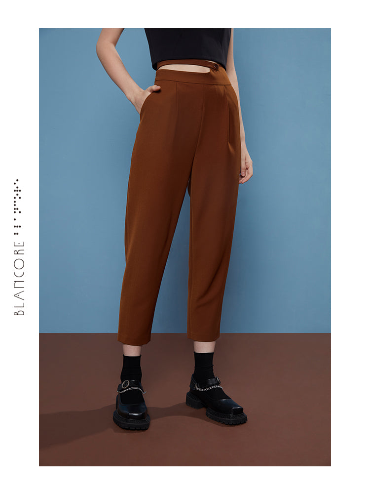 WAISTED CONSTRUCTED HIP TROUSER