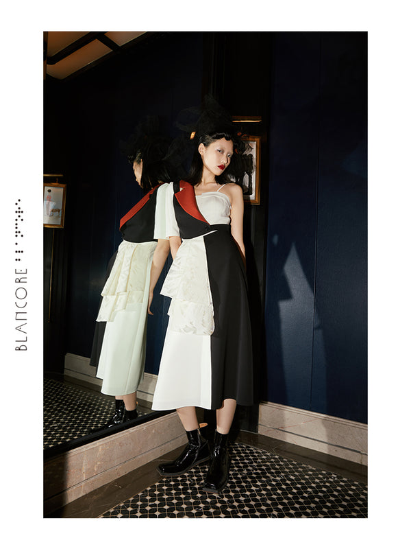 TWO-PIECE PLEATED COLOR MATCHING SUSPENDER DRESS
