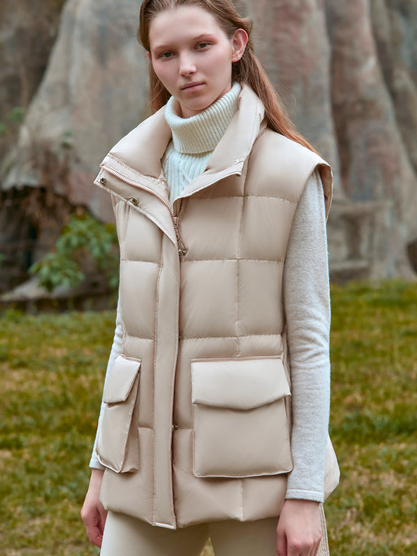 PUFFER JACKET WITH DETECHABLE SLEEVES