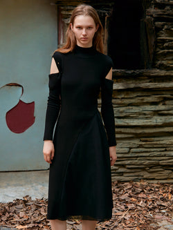 PANELED KINTTED DRESS WITH DETACHABLE SLEEVE