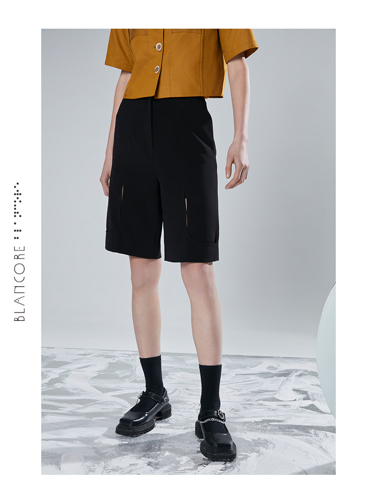 HOLLOWED-OUT SPLIT SHORTS