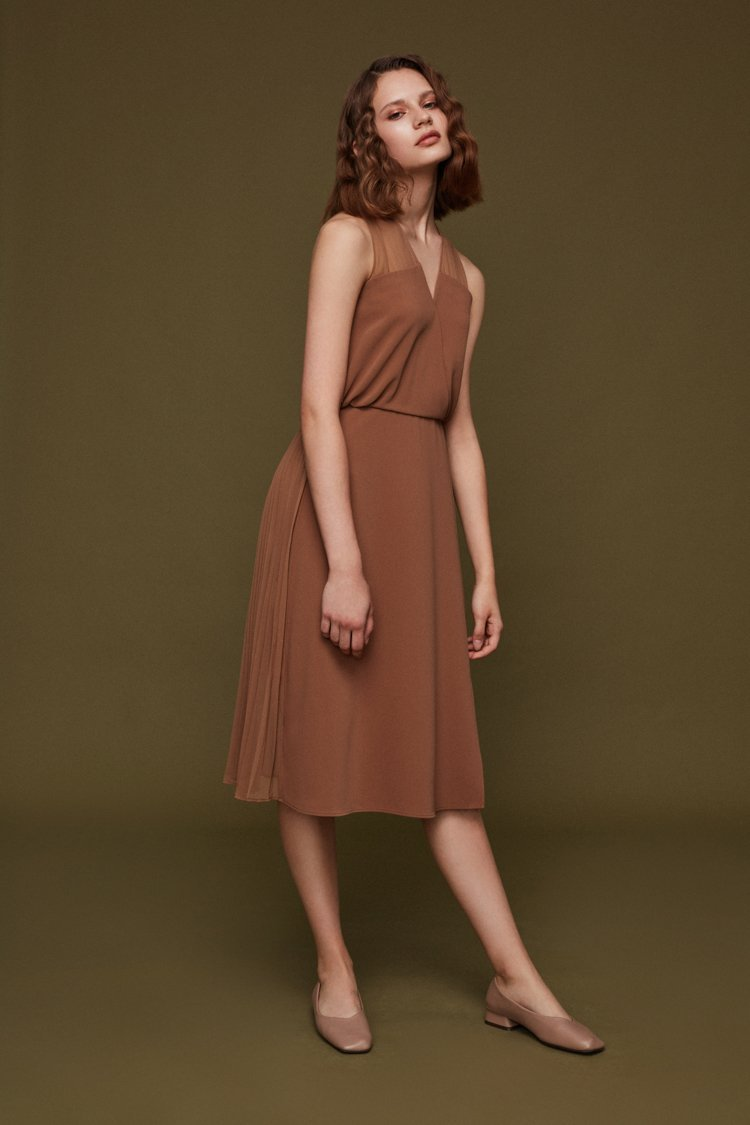 Pleats Paneled Dress - BLANCORE