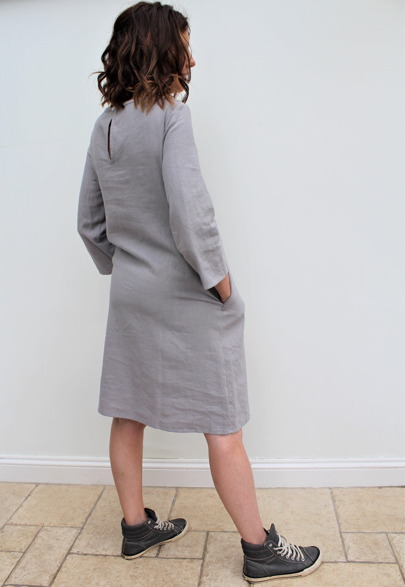 Livia - linen dress with pintucks details and side pockets
